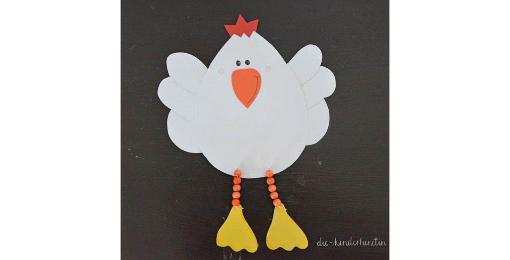 Mottoparty Bauernhof Kindergeburtstag gebasteltes Huhn aus Pappkarton