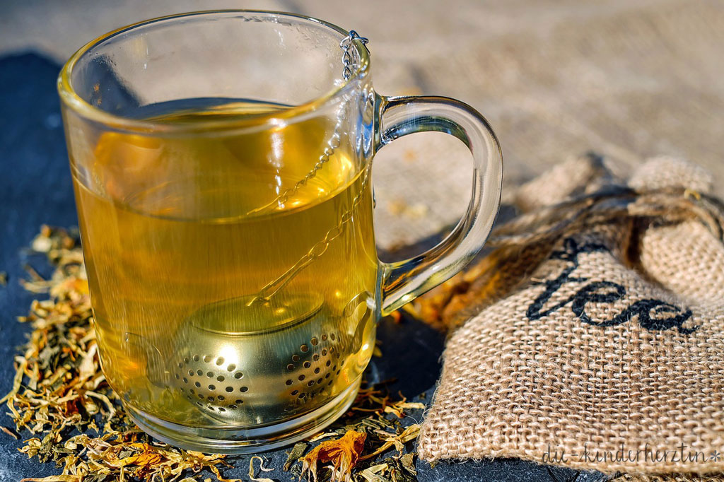 Fieber bei Kindern Teetasse mit Tee