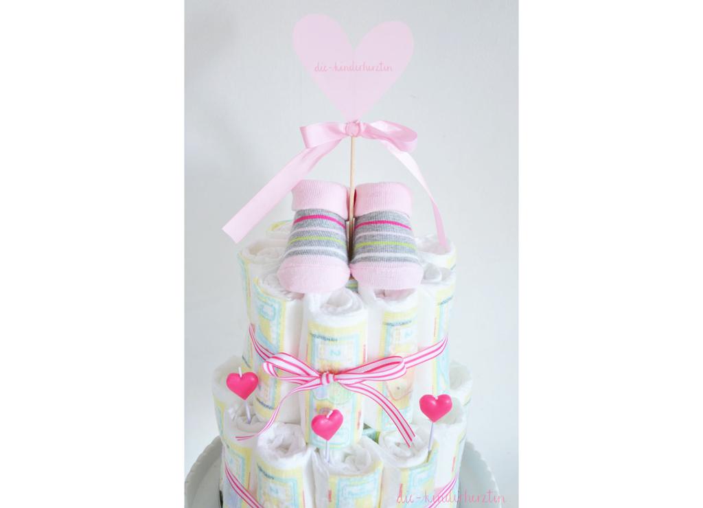 Windel-Torte die-kinderherztin Torte aus Windeln und Deko